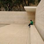 Barcelona Pavillon - Steinbank im Hof